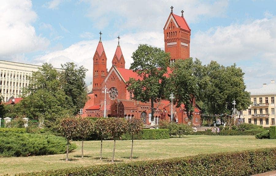 Kościół katolicki św. Szymona i św. Heleny fot. pixabay