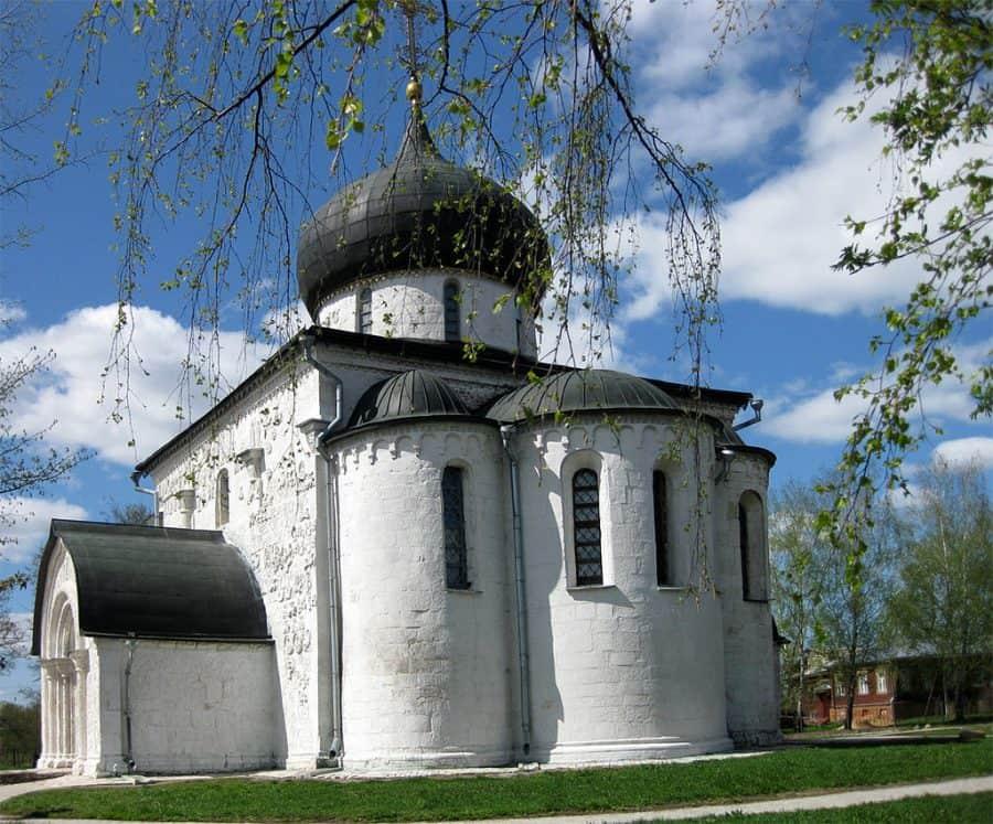 Sobór św. Jerzego, Jurjew-Polskij fot. wikimedia.org