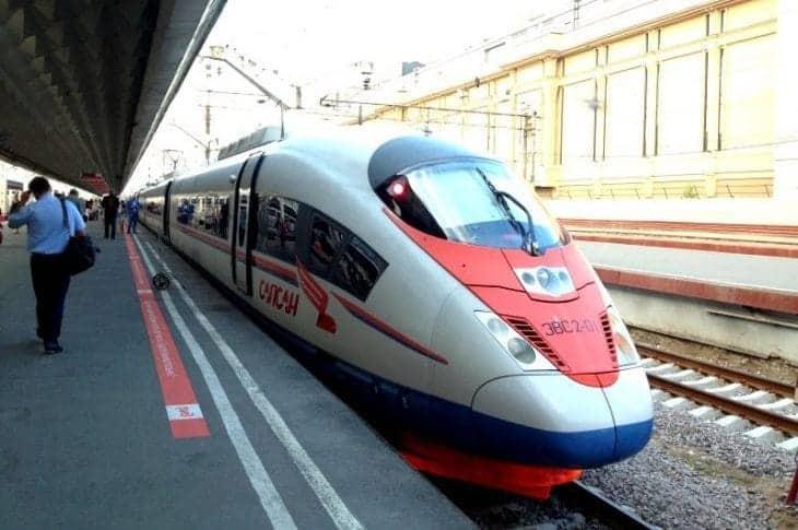Nowoczesne pociągi Sapsan skrócą podróż z Moskwy do St. Petersburga do 2,5 godziny