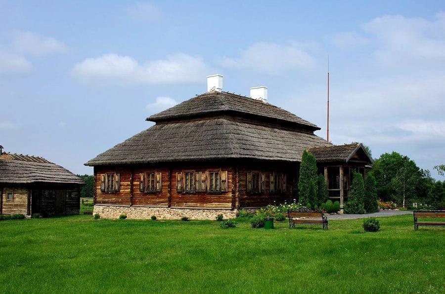 Mereczowszczyzna, dwór Kościuszków fot. wikimedia.org