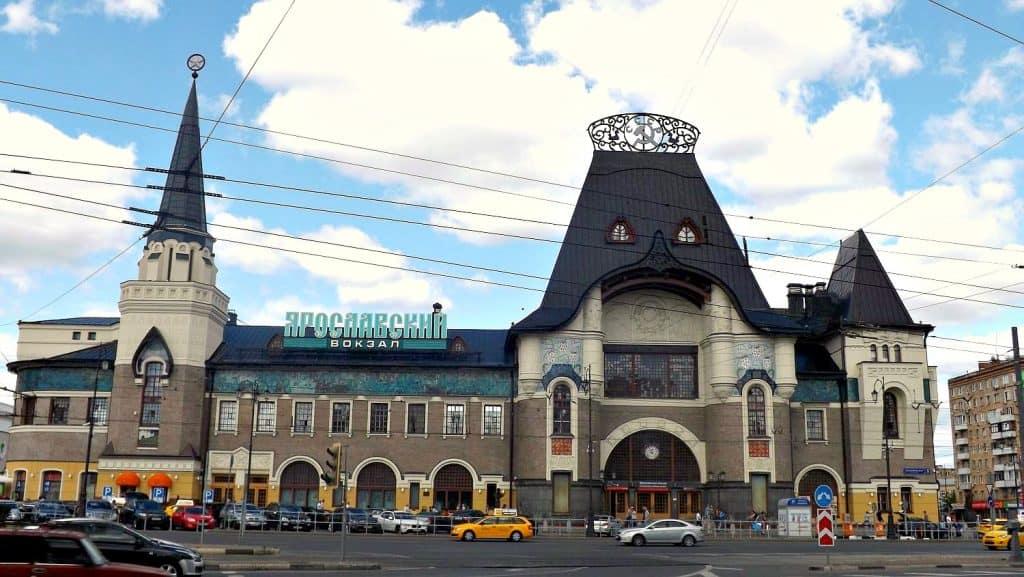 z-dworca-bialoruskiego-mozna-dojechac-metrem-na-dworzec-jaroslawski-z-ktorego-odjezdza-kolej-transsyberyjska-blog-transsyberyjska