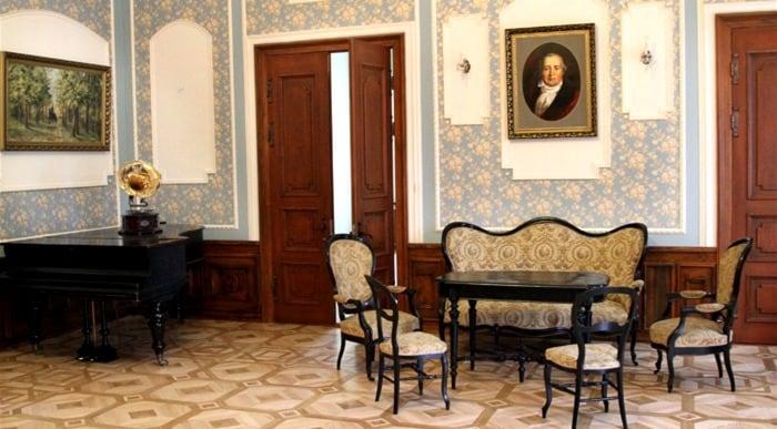 Wnętrze pałacu Niemcewiczów
