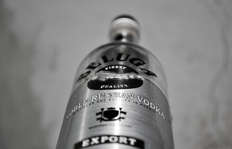 Wódka robiona na wodzie z syberyjskich źródeł: wódka Beluge fot. pixabay
