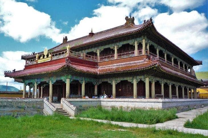 Klasztor Amarbajasglant chijd jest jednym z nielicznych, które przetrwały brutalne czasy stalinowskie. fot. wikimedia.org